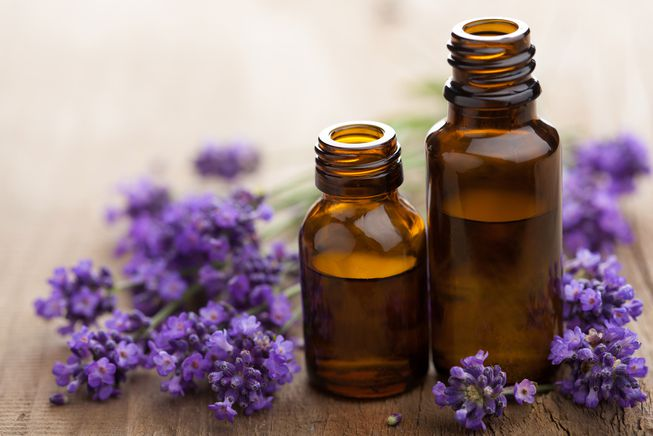 lavender oil to treat toenail fungus